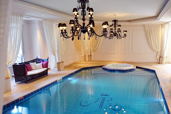 Des conseils pour un projet de piscine intérieure